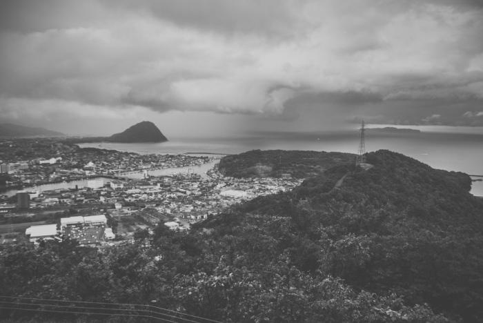 misty-mountain-top-japan